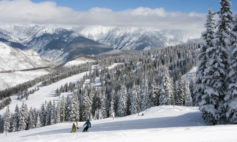 Snowboarding at Vail Resort